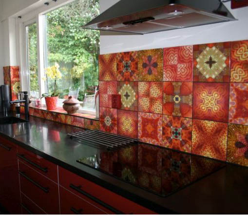 Red Tile Kitchen: Wall Decor Source